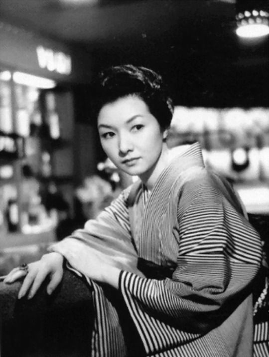 Hideko Takamine, When A Woman ascends The Stairs, 1960, directed by Mikio Naruse