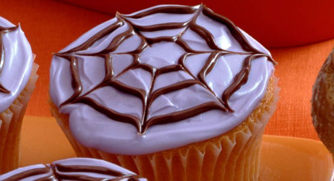 These spooky spiderweb cupcakes are perfect for the next gathering of ...