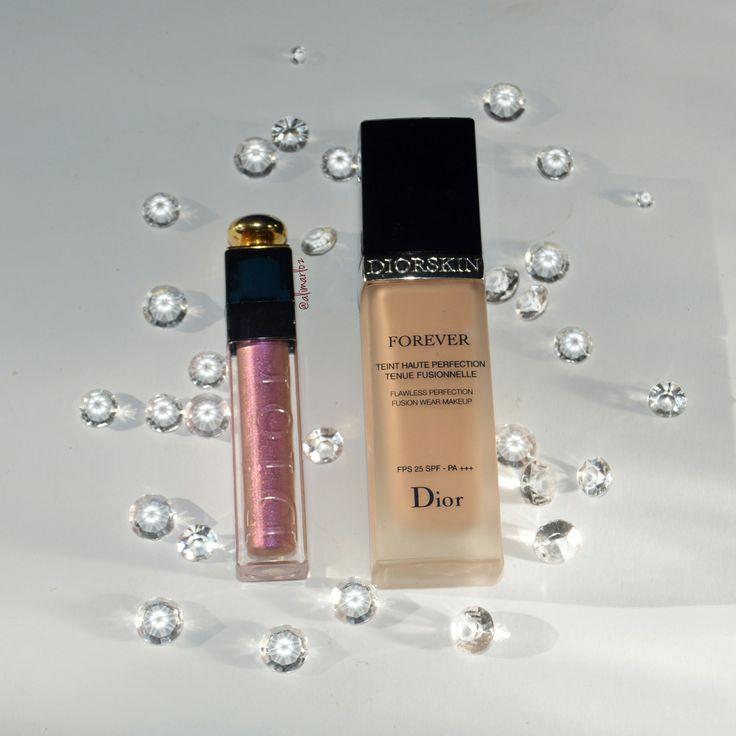 """En este post os voy a hablar de una base de Dior, maquillaje de alta gama. Se trata de la base """"Diorskin Forever Fluid"""". Cuesta unos 40€, viene en 16 tonos y tiene un protección solar d…"""