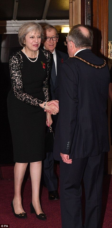 Kate Middleton joins the Queen at the Royal Albert Hall for Festival of Remembrance | Daily Mail Online