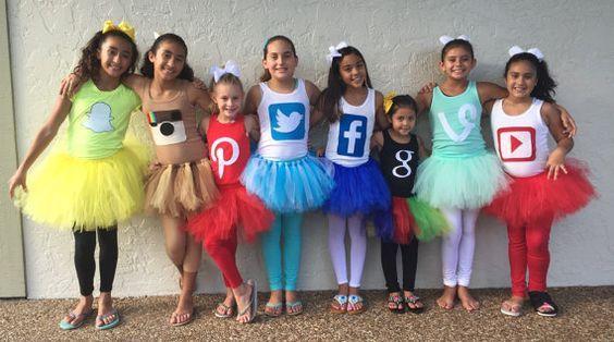 Social Squad | Kostüm-Idee für Gruppen zu Karneval, Halloween & Fasching                                                                                                                                                                                 Mehr