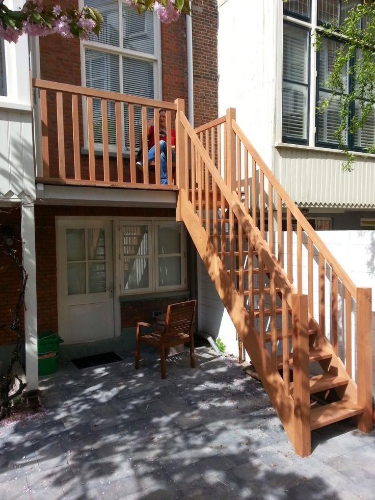 25 beste idee n over buiten trap op pinterest trappen for Trap buiten hout