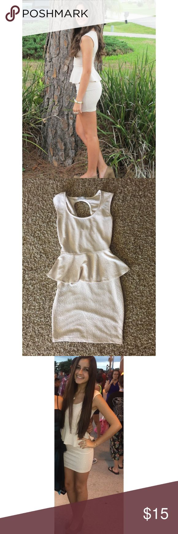 SPARKLY Cream Skin Tight Dress Skin tight dress. Glitter does not fall off or wash out. True to size. Charlotte Russe. X-small. Charlotte Russe Dresses Mini