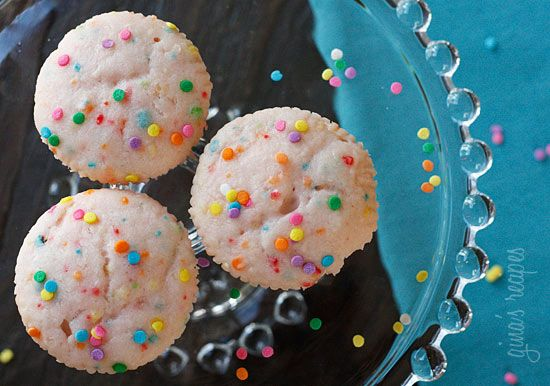 Pink Lemonade Confetti Cupcakes - Sweet and tart pink lemonade cupcakes – these cupcakes just scream summer! I keep these treats naked and simple since they are sweet enough as is. 3points+ #memorialday #dessert
