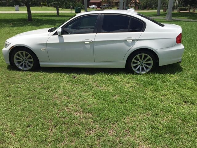 BMW: 3-Series 2011 bmw 328 i Check more at http://auctioncars.online/product/bmw-3-series-2011-bmw-328-i/
