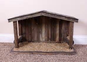 Natural Wood Nativity Stable : EBTH
