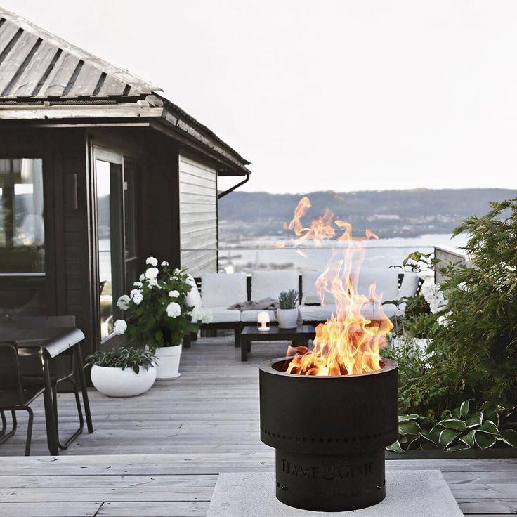 GIVEAWAY // Vinn en FLAMMETØNNA!  Nyt de fine høstkveldene ute i det fri med smarte #flammetønna som gir en klar og fin flamme, uten røyk og gnister!  HVORDAN DELTA: 1. Følg @flammetonna  2. Tagg 2 venner i kommentarfeltet.  Du kan delta så mange ganger du vil, men tagg forskjellige venner. Vinneren trekkes om en uke! Lykke til!  #bålpanne #hageliv #uteinspirasjon #terrasse #uterom #høstkos // Annonse