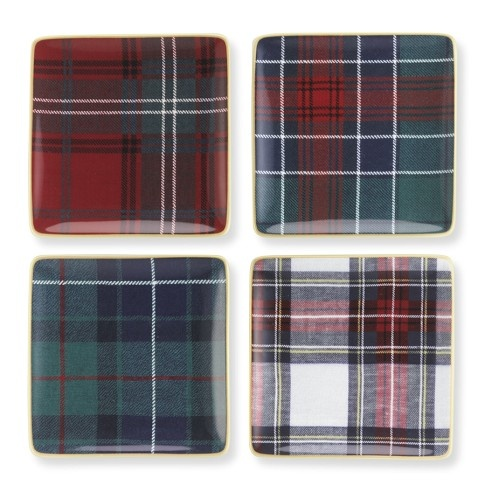 Tartan Plaid Square Appetizer Plates, Set of 4. So cute, and they'd go with my Christmas dinnerware!