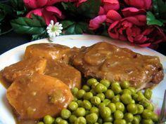 Tender Pork Chops in Gravy