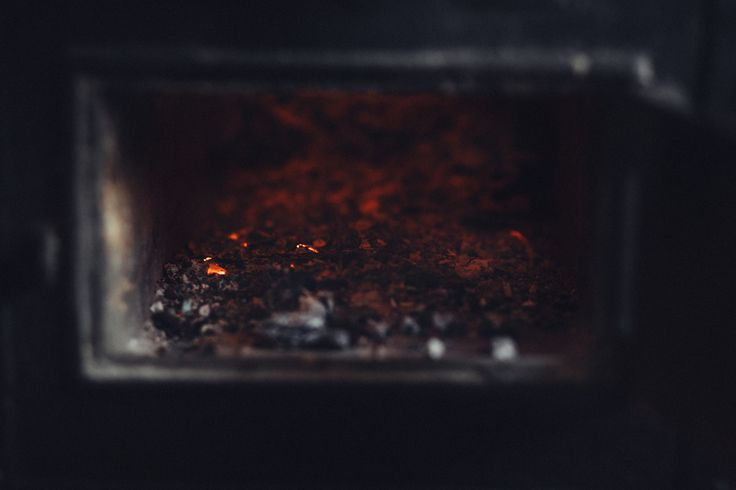 https://flic.kr/p/TXfFMq | Old stove ashes and embers | Get more free retro photos on freestocks.org