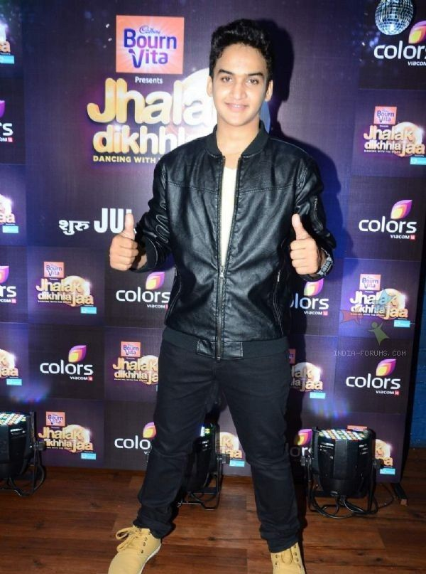 Faisal Khan Height, Weight, Biceps Size and Measurements