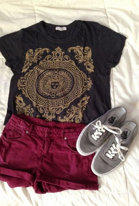 summer outfits. Wish I had a skirt that color. Guess I should be on the look out
