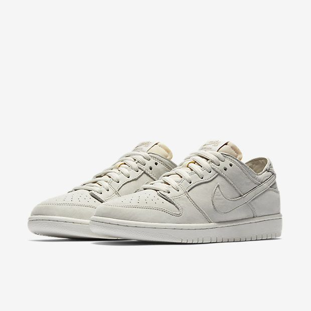 2a76863e4a2 Nike SB Zoom Dunk Low Pro Deconstructed Men s Skateboarding Shoe ...