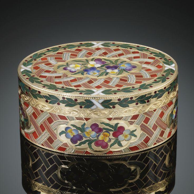 'Le panier de pensées'. A gold and pietra dura snuff box, Johann Christian Neuber, Dresden, circa 1770-1775