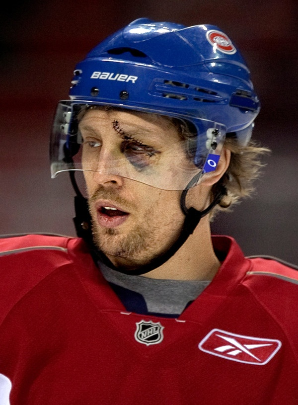 Blessure à l'oeil pour Travis Moen. - Montreal #Canadiens Travis Moen's beard looked a little patchy, but the skate to the face looked worse.Moen Beards, Hockey Beards, Canadiens Hockey, Montréal Canadiens, L Oeil Pour, Montreal Baby, Hockey Team, Canadiens Travis, Montreal Canadiens