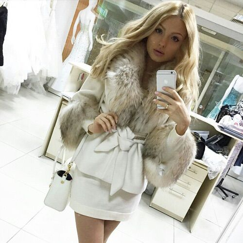 Image via We Heart It #arrasa #barbie #beautiful #blessed #boneca #diva #fashion #girl #inverno #iphone #kiss #look #makeup #itgirl #love