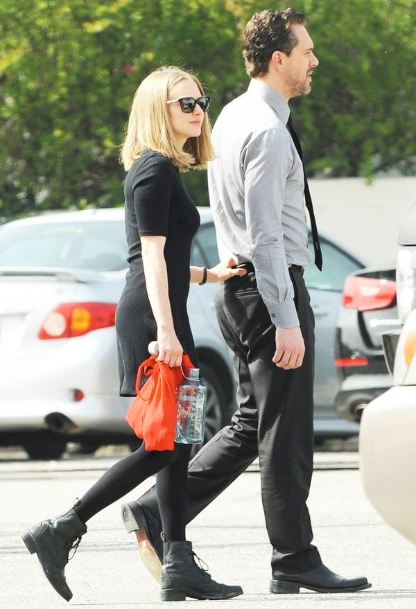 Amanda Seyfried is dating her 'Last Word' costar Thomas Sadoski — get all the details!