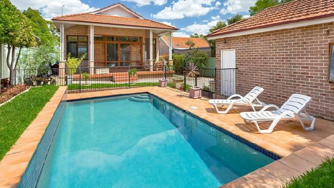 Concord West bungalow sells at auction for $1.9 million. #SydneyRE #property #forsale #auction #sold #realestate