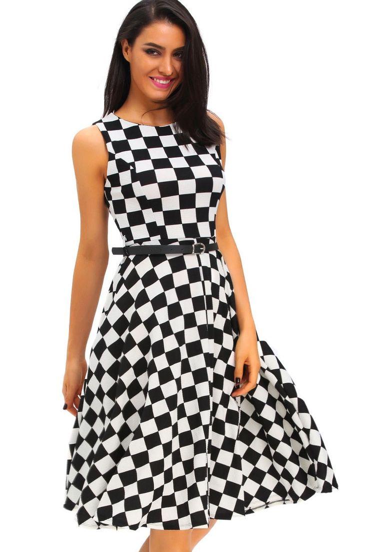 les 25 meilleures id es concernant robe ann e 50 sur pinterest robe vintage ann e 50 robe. Black Bedroom Furniture Sets. Home Design Ideas