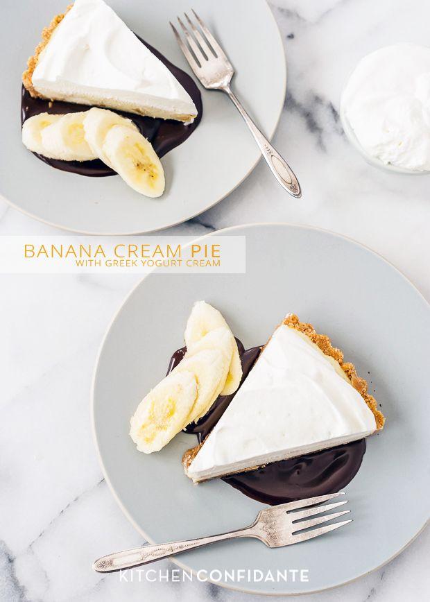 Banana Cream Pie with Greek Yogurt Cream @Liren Baker | Kitchen Confidante // What a delicious treat w/ #greekyogurt and #bananas. #recipe