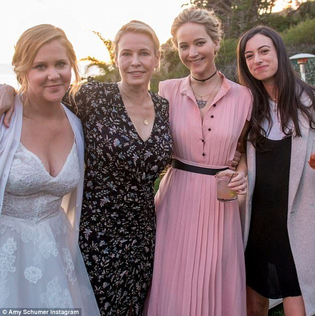Jennifer Lawrence Breaks Out Dance Moves For Amy Schumer S Wedding