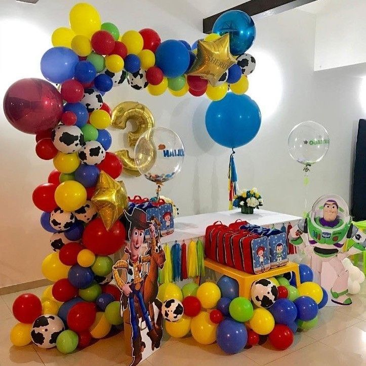 Decoracion De Fiesta De Toy Story Sencilla In 2019 Toy