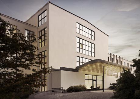 Oscar Properties : Biografen #oscarproperties facade, house, city, architecture