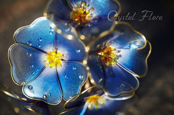 Прозрачные синие цветы Льна от Crystal Flora изготовлены из синтетических смол и проволоки. Королевское украшение.  (пожалуйста не путайте с великолепными канзаши Сакае) Transparent blue flowers Flax by Crystal Flora are made of synthetic resin and wire. Royal decoration. (Please do not confuse with magnificent Kanzashi by Sakae) (Свадебные цветы, элитные дорогие украшения, яркие цветы, яркие украшения / Wedding Flowers, elite expensive jewelry, bright colors, bright decorations)
