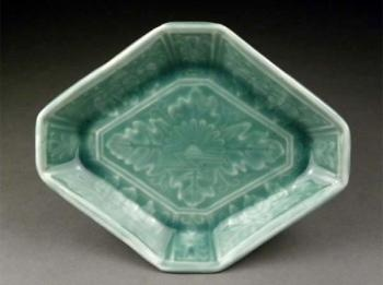 Celadon Hirado diamond shaped plates