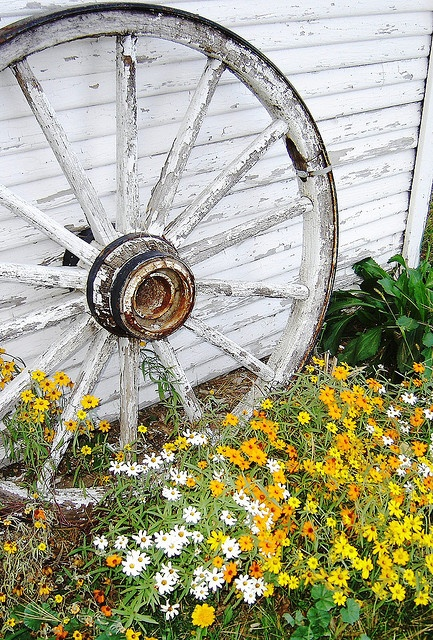 Lovely Old Wagon Wheel Garden Feature