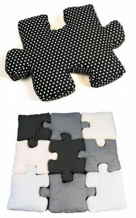 Puzzle pillows - This really isn't a pattern, but I love this idea, I should be able to figure it out!!