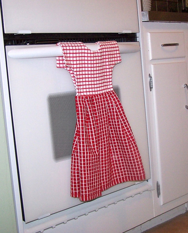 Kitchen Dish Towel Dress For Oven Door In Red And White Check Pattern.  $20.00,