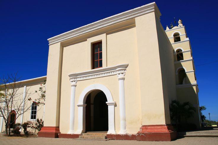 Iglesia_de_la_Misión_de_Todos_Santos.jpg (3888×2592)