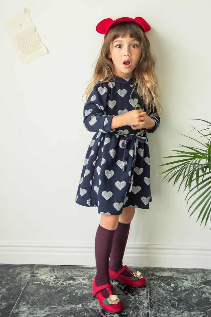 Ozkiz Cozy Heart Dress, for kids (girls). Perfect for F/W season 2016. It is available in gray and navy color. OZKIZ, a Korean top brand for kids clothes and shoes collection, founded in 2010.