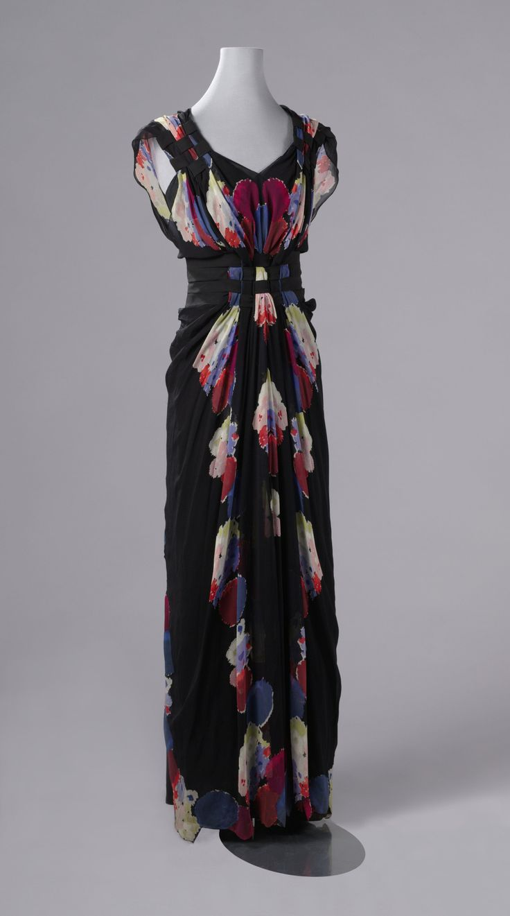 Silk crepe georgette evening dress by Nina Ricci, ca. 1938.