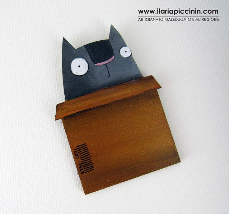 Calamita con gatto . Magnete per frigorifero. Gatto dipinto a mano. gatto in una scatola di cartone di IlariaPiccininStore su Etsy