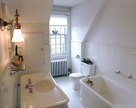 Glensheen bathroom