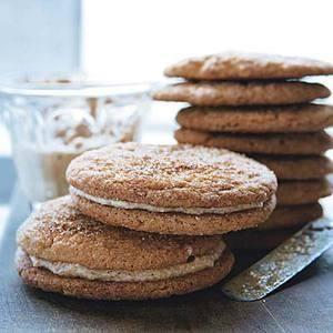 Hazelnut-Cream-Stuffed Snickerdoodle Sandwich Cookies   Holiday ...