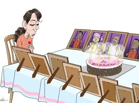 Aun Schan Su Ťij oslavuje svoje narodeniny. Osamote.