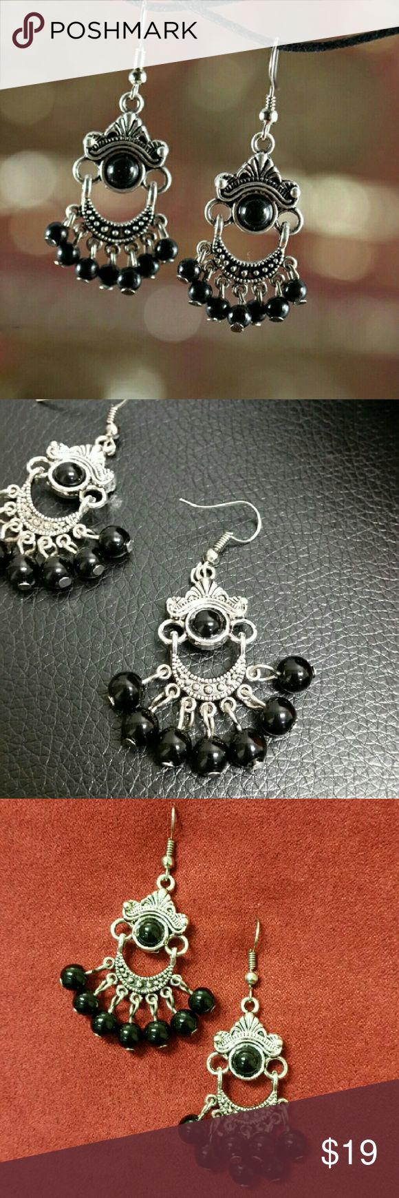 *weekend sale* Dangling earrings w/ black beads Unique earrings with dangling black beads, and delicate detailing on the metal. Use to finish a cute boho look that will make you stand out. Jewelry Earrings