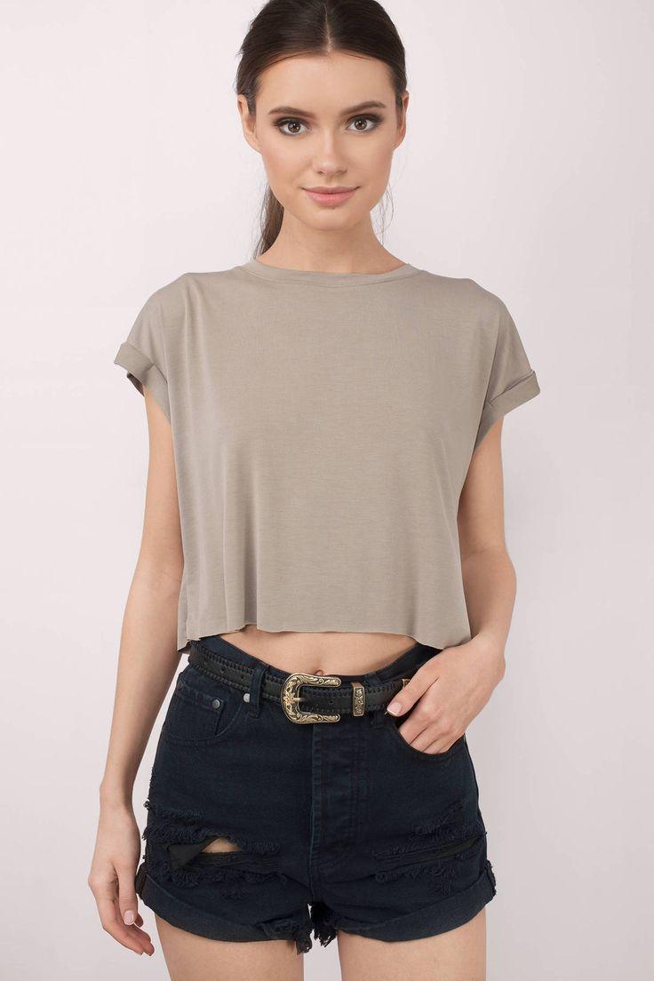 25+ best ideas about Women's Wardrobe Essentials on ...
