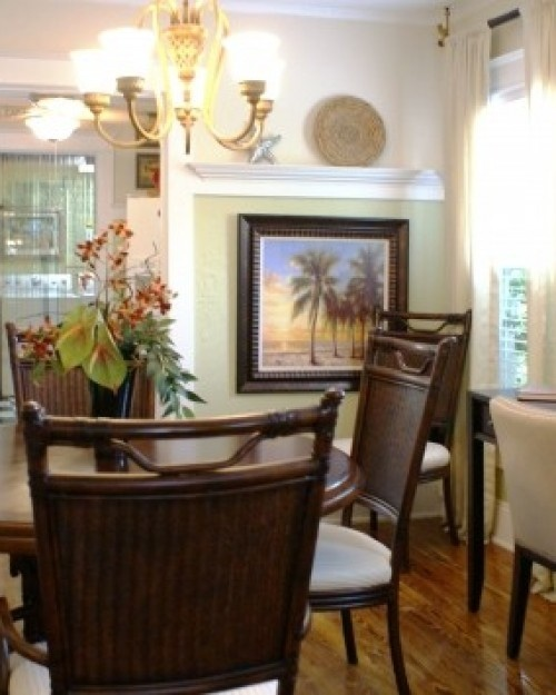 Bahama Breeze Hideaway Cottage West Palm Beach Florida Seascapes And Tropical Plants Bring Outside Accents Into The Dining Area
