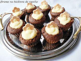 Rocsy in bucatarie: Briose cu budinca de vanilie