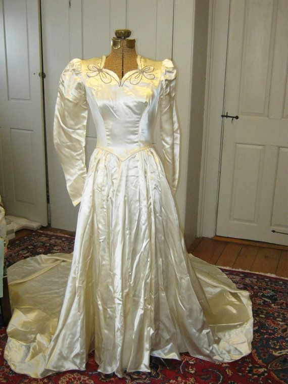 1940s Beaded Bow Wedding Gown by EmilysVintageVisions on ...