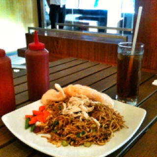 "Indonesian ""mie goreng"""