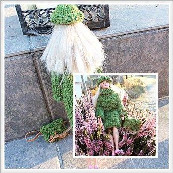 Lang genser, lue og veske til Barbiedukke