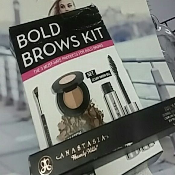 Anastasia brow kit Bundle Both brand new never used first you will receive both brows kit the three must-have products for bold Brows Anastasia Beverly Hills in medium brown second you will receive Anastasia brow with skinny brow pencil in Soft brown and new in box all products never been used. It comes with the Anastasia clear brown gel one sealed brow brush and the brow powder duo the brow wiz is a skinny brow pencil in soft brown never been used great products great price won't last and…