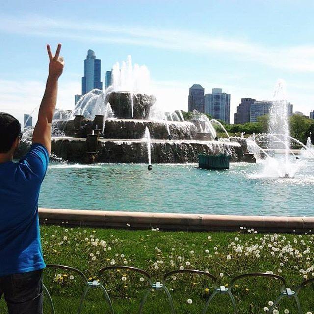 """""""Este ponto turístico de Chicago é um dos mais magníficos e românticos... pode lhe proporcionar fotos incríveis, beijos apaixonados, momentos incríveis e até aquele pedido de casamento que tanto espera... Ein ?! Que tal ?!"""" - Confira já ! link na bio. ✈️⛲️"""