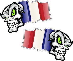 Main Paire de Mascottes crâne avec Flying France Français Drapeau pour casque moto biker en vinyle autocollant pour voiture en 50x 32mm…