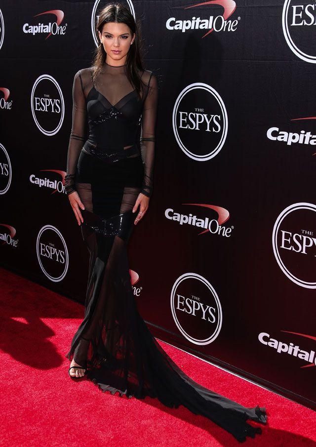 KENDAL YENER  IMAGENES DE 4000X5000 | Jenner en la alfombra roja de los premios ESPY 2015 - Kendall Jenner ...